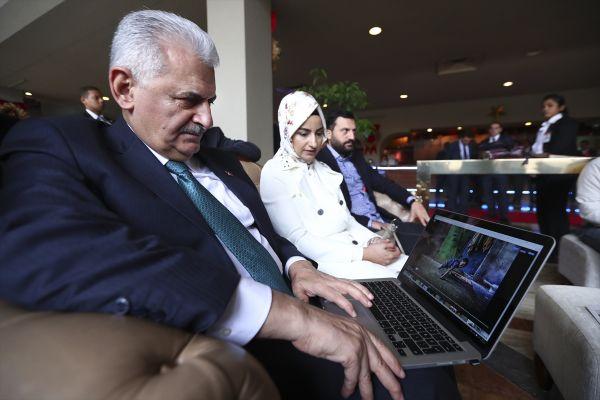 Başbakan yılın fotoğrafları oylamasına katıldı