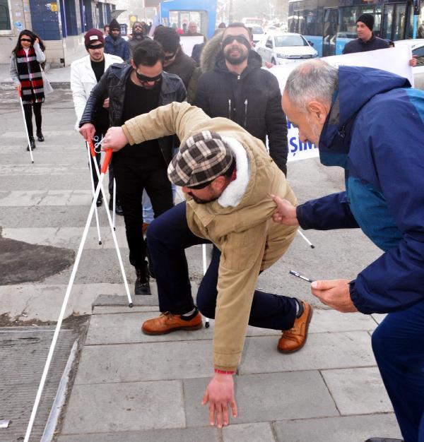 Erzurum'da görme engellilerle empatiye şaşırtan tepki