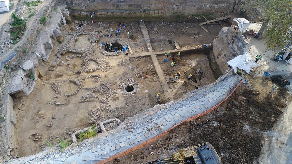 Arkeolog Dönmez: Beşiktaş'taki mezarlar Türklerin değil