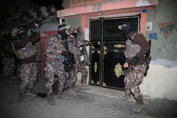 Polise yakalanmamak için Cono dili oluşturdular