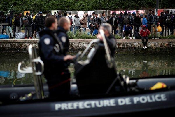 French police evacuate biggest migrant camp in Paris