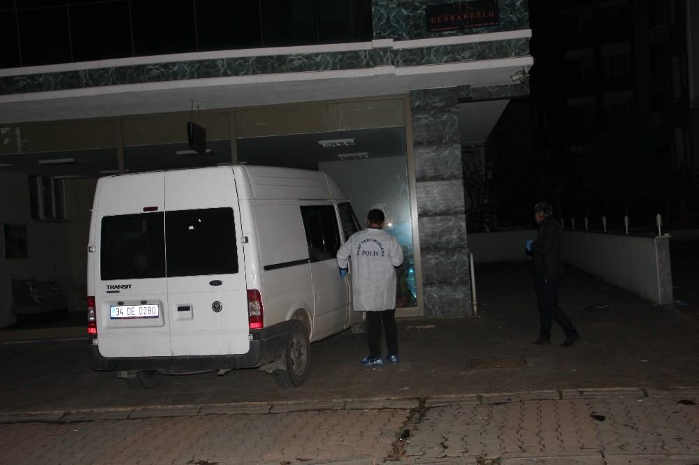 Kartal'da 17 yaşındaki kız silahla öldürüldü