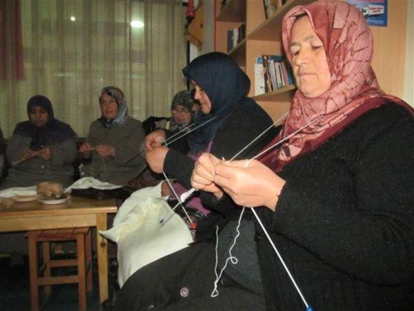 Hatay ve Tokat'ta annelerden Mehmetçik'e dolma ve içlik