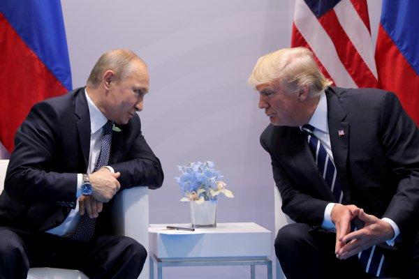Trump AB'yi de düşman olarak görüyor