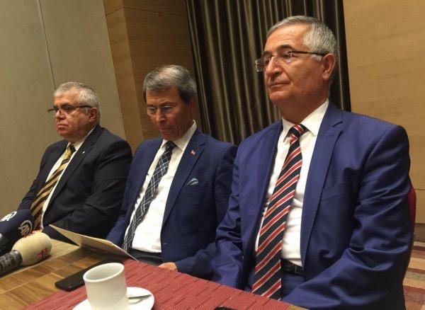İYİ Parti'de kurucu üyeler istifa etti
