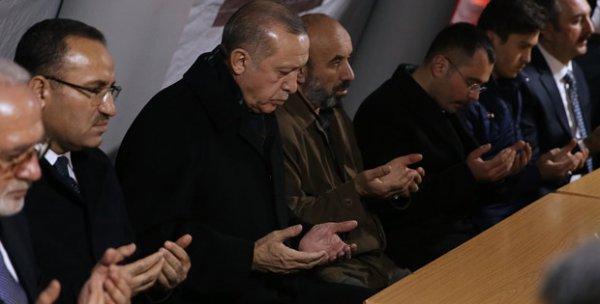 Erdoğan şehit ailesini ziyaret etti