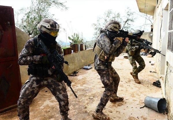 PKK Musul'a sığınak kazıyor