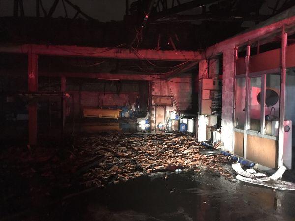 Denizli'de çıkan yangında 3 imalathane yandı