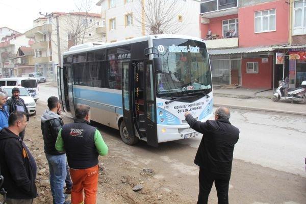 Kocaeli'de otobüsü çalan genç, yolcu toplamaya devam etti