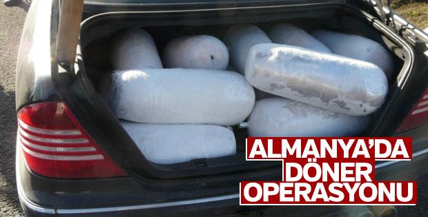 Almanya'da bir Türk'ün aracından 15 adet döner çıktı