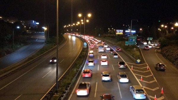 Tatilciler İstanbul'a dönüyor