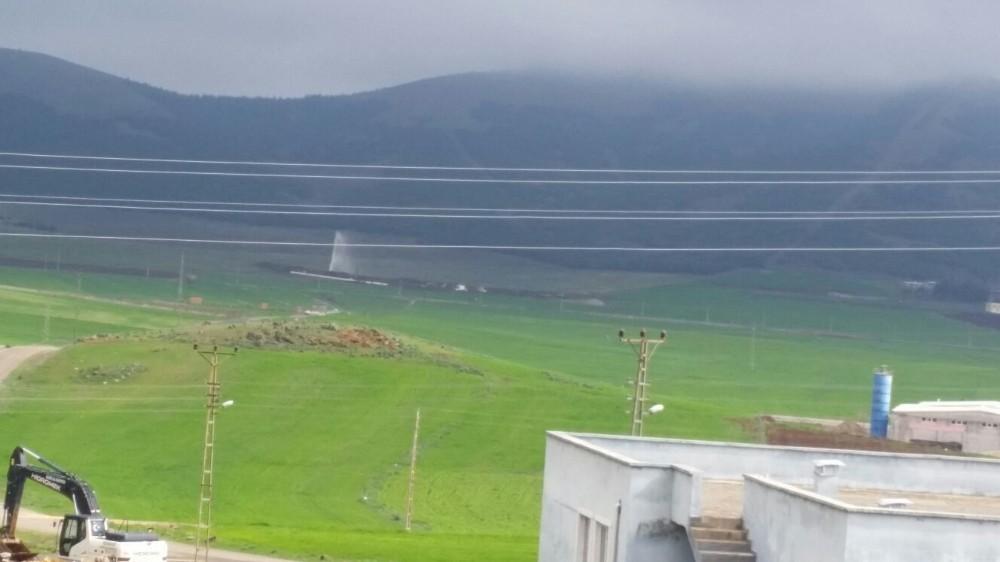 Tarladan fışkıran suyu petrol sandılar
