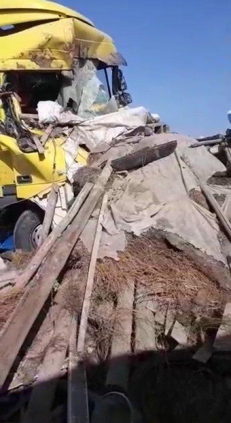 Alkollü sürücünün kullandığı tır bir evi yıktı