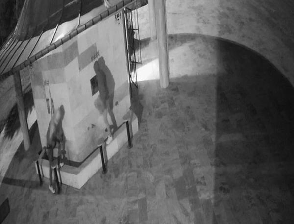 Denizli'de hırsızlar camilerin musluklarını çaldı