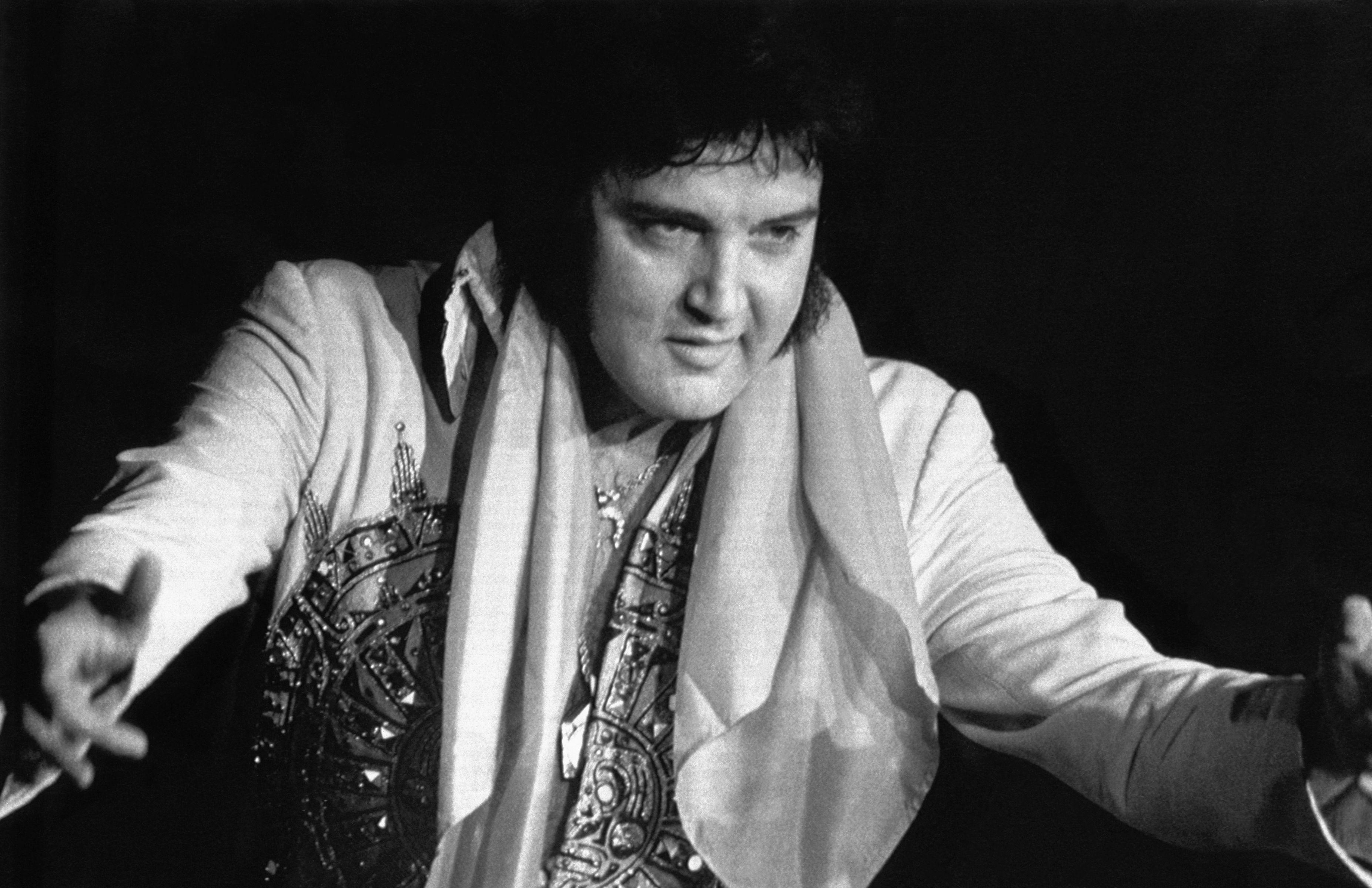 Elvis Presley kimdir