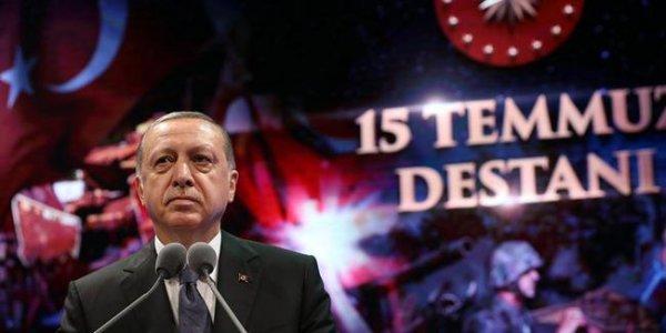 Erdoğan: 15 Temmuz'da demokrasinin şerefini kurtardık