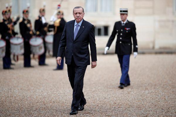 Erdoğan'ın ziyareti ırkçı Le Pen'i rahatsız etti