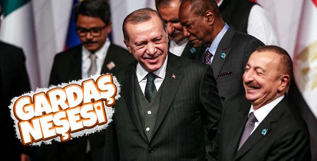 Erdoğan ve Aliyev'in neşeli sohbeti görüntülendi
