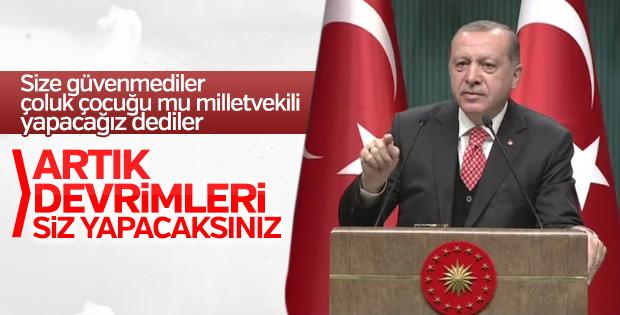 Cumhurbaşkanı Erdoğan Külliye'de gençlerle buluştu