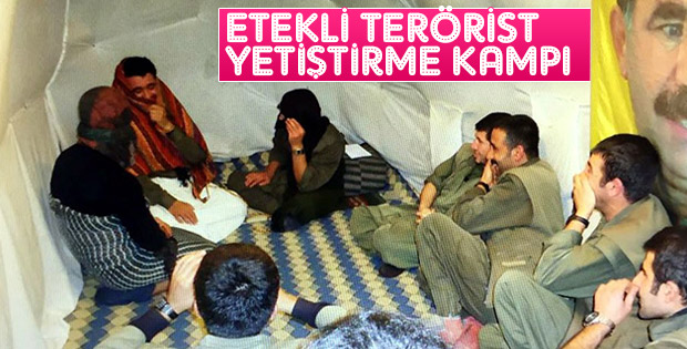 Kadın kıyafetleriyle prova yapan teröristler