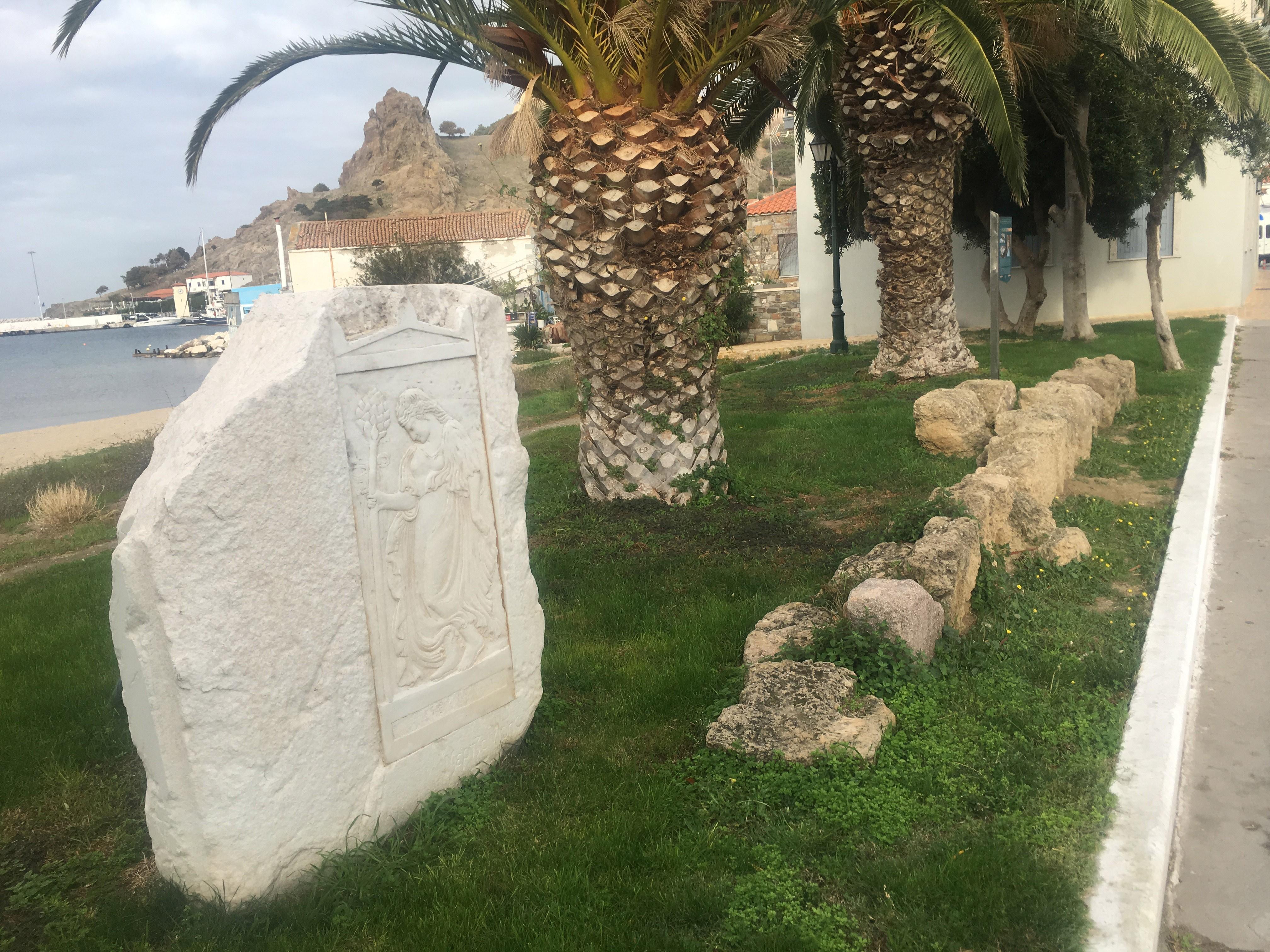 Yunan, Baltacı Mehmet Paşa'nın mezarının yerine merdiven yaptı