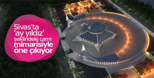 Ay yıldız şeklindeki cami Sivas'ta yükseliyor