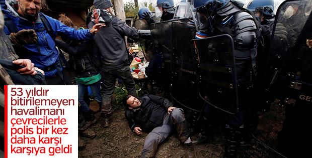 Fransa'da havaalanı protestosu