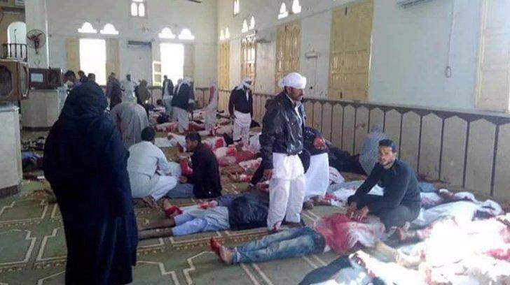 Mısır'da camiye saldırı: 155 ölü