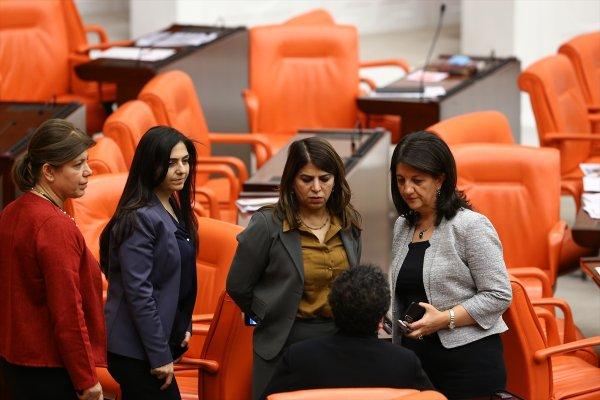 52 kişi kalan HDP'liler düşünüyor