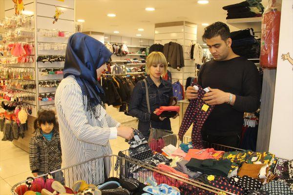 İranlı turistler Van'da otelleri doldurdu