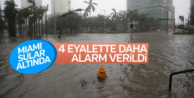 ABD'de Irma Kasırgası ilerliyor