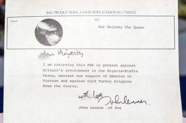 John Lennon'un Kraliçe'ye yazdığı mektup