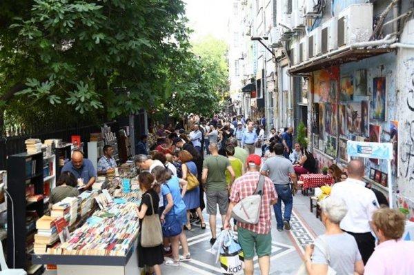 Kadıköy Sahaf Günleri'ne büyük ilgi devam ediyor