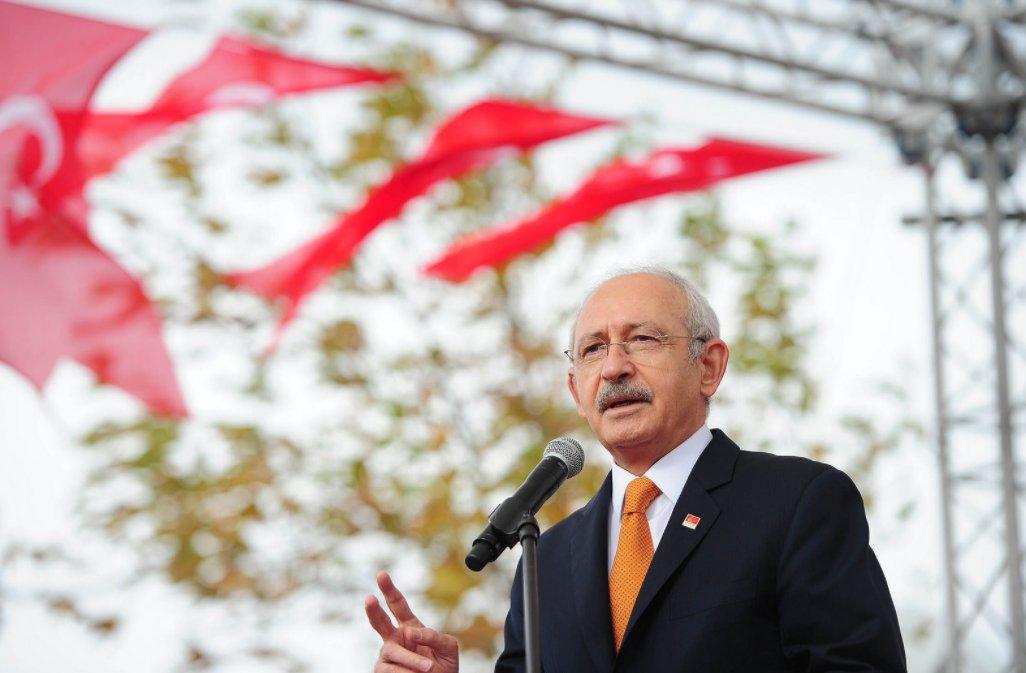 Tekirdağ'da Kılıçdaroğlu'nun tam karşısına asılan pankart