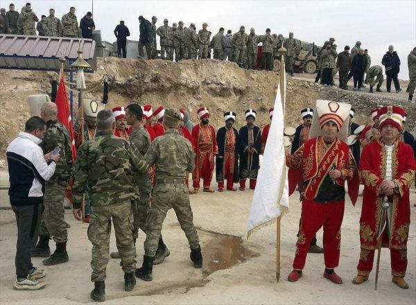 Sınırdaki askere mehteran desteği