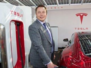 Elon Musk gelecek yıl robot taksi uygulamasını başlatacak
