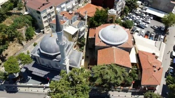 Cami, kilise ve sinagogun aynı sokakta olduğu Kuzguncuk