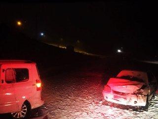 Van'da 2 araç çarpıştı: 5 yaralı