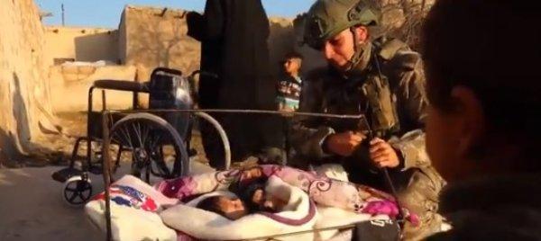 Mehmetçik'ten Suriyeli engellilere yardım