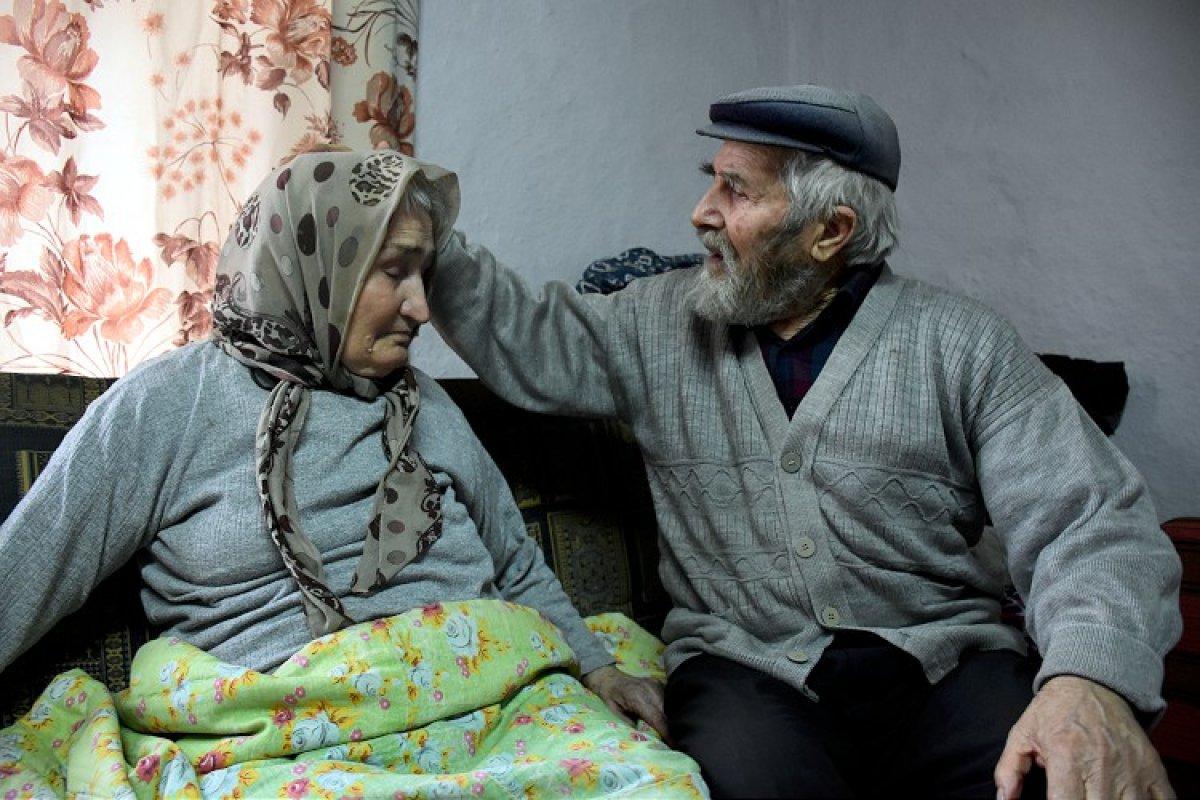 Mustafa Amca ile alzheimer hastası eşinin aşkı