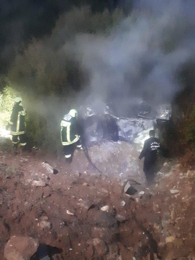 Denizli'de kaza sonucu alev alan aracın sürücüsü öldü