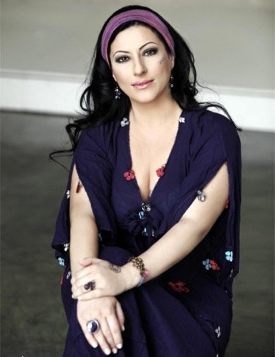 Gülay kimdir? Şarkıcı Gülay kaç yaşında, nereli? Gülay Sezer in hastalığı neydi? #3