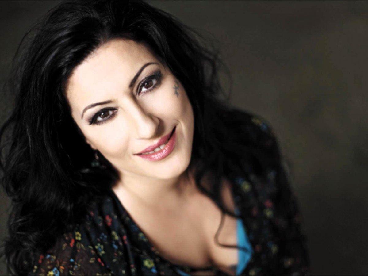 Gülay kimdir? Şarkıcı Gülay kaç yaşında, nereli? Gülay Sezer in hastalığı neydi? #2