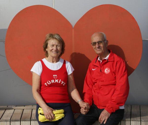 52 yıldır birlikte koşan çiftten 14 Şubat mesajı