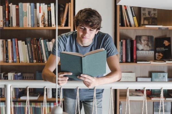 Bir kitapsever kütüphanesini nasıl düzenlemeli