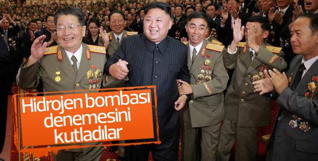 Kuzey Kore lideri hidrojen bombası denemesini kutladı