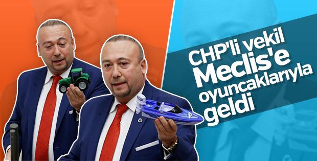 CHP'li Özkan Yalım maketlerle vergi oranlarını anlattı