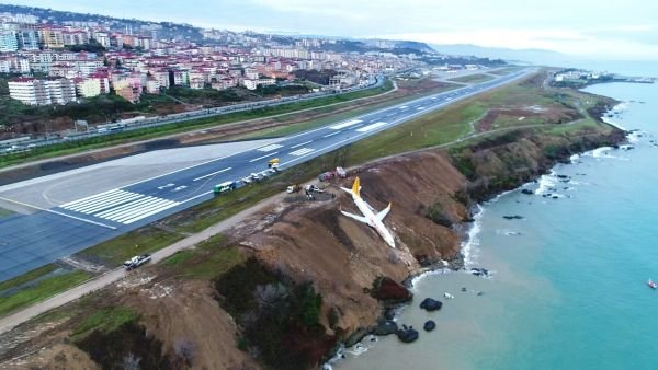Trabzon'da kaza yapan Pegasus uçağının dehşet görüntüsü