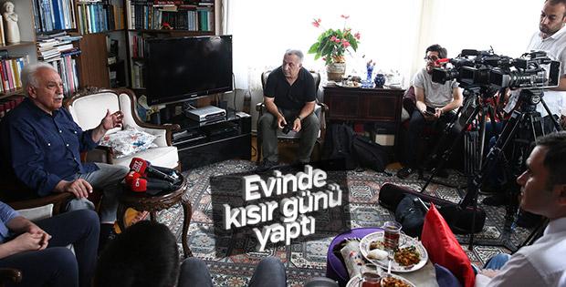 Doğu Perinçek gazetecileri evinde ağırladı