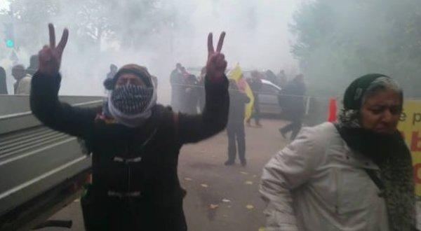 PKK yandaşları Fransa'da terör estirdi: 14 gözaltı